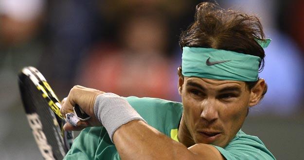 Rafael Nadal en acción contra Ryan Harrison en Indian Wells