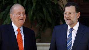 Ver vídeo  'Rajoy anuncia que prorrogará la ayuda de 400 euros para parados sin cobertura'