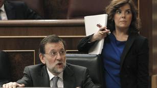 Ver vídeo  'Rajoy avanza que los datos de paro y empleo empeorarán en 2012'