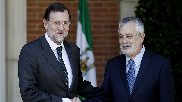 Rajoy confirma a Gri&ntilde;&aacute;n que convocar&aacute; la Conferencia de Presidentes en septiembre