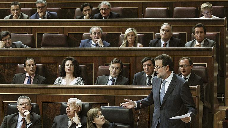 """Rajoy defiende que España """"ha salido de la recesión"""" aunque """"no de la crisis"""""""