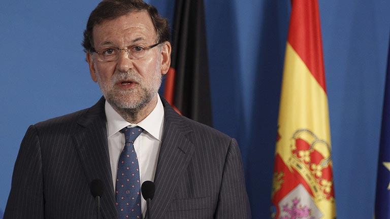 """Rajoy defiende la reforma electoral y dice que """"intentará"""" hablar con otros partidos"""