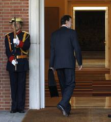Rajoy entra en La Moncloa tras jurar su cargo de presidente