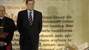 Ver vídeo  'Rajoy y Feijoo presiden el acto de devolución del Códice Calixtino en la Catedral de Santiago'