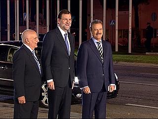 """Ver vídeo  'Rajoy al llegar al debate con Rubalcaba: """"Estoy bien""""'"""