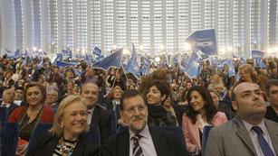 Ver vídeo  'Rajoy y Rubalcaba apoyan a sus candidatos en Asturias'