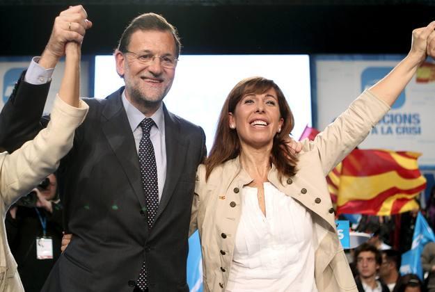 Rajoy y Sánchez-Camacho participan en el mitin central en Hospitalet de Llobregat.