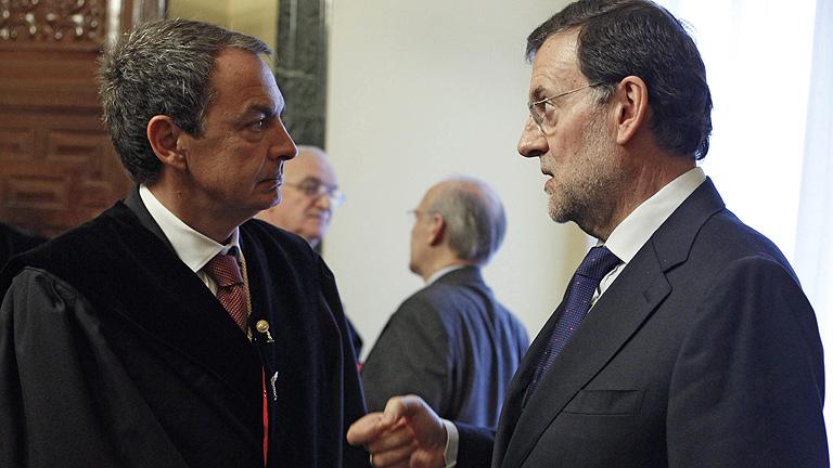 Rajoy y Zapatero se saludan en el Consejo de Estado
