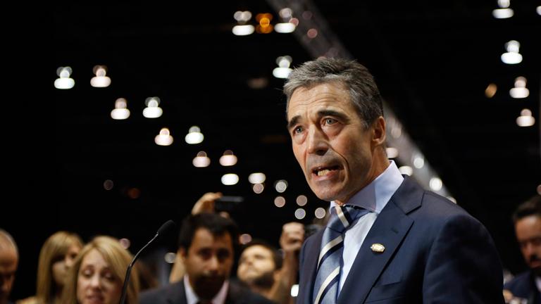 Rasmussen dice a Hollande que la retirada de tropas de Afganistán debe ser coordinada
