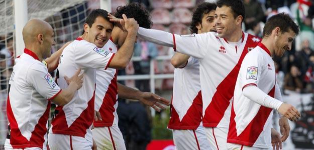 Los jugadores del Rayo Vallecano celebran un gol ante Osasuna