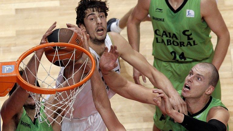 El Real Madrid empata la semifinal al Caja Laboral