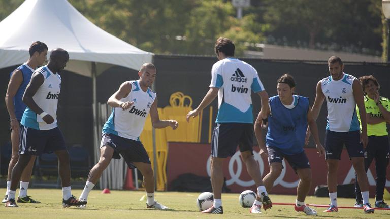 El Real Madrid juega contra el Santos en Las Vegas
