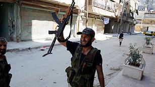 Ver vídeo  'Los rebeldes lanzan ataques para recuperar su bastión en Alepo'