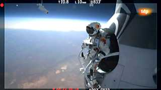 Ver vídeo  'Red Bull Stratos - La historia'