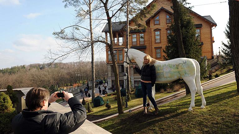 Una red de periodistas ucranianos recupera los documentos secretos de Yanukóvich