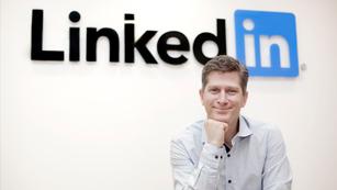 Ver vídeo  'La red social Linkedin abre nueva oficina en España'