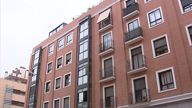 Reducción del IVA para la vivienda nueva  del 8 al 4%.