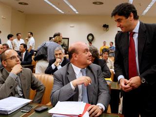 Ver v?deo  'La reforma laboral sale adelante con los votos socialistas y las abstenciones de PNV y CiU'