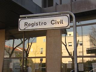 Ver v?deo  'Reforma de la ley de Registro Civil que propone terminar con la prevalencia del apellido paterno'