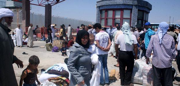 Refugiados sirios que huyen de la localidad de Azaz llegan a Kilis, Turquía, el 16 de agosto