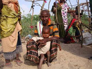 Ver vídeo  'Los refugiados somalíes, abandonados a su suerte en la frontera de Kenia'
