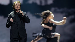 Ver vídeo  'Reino Unido - Engelbert Humperdinck - Love will set you free'