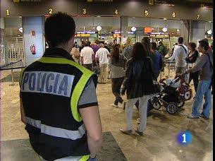 Ver v?deo  'Reporteros del telediario - El año pasado, solo en el aeropuerto de Barajas, se incautaron más de 900 kilos de cocaína que llegaron en el estómago de 150 personas'
