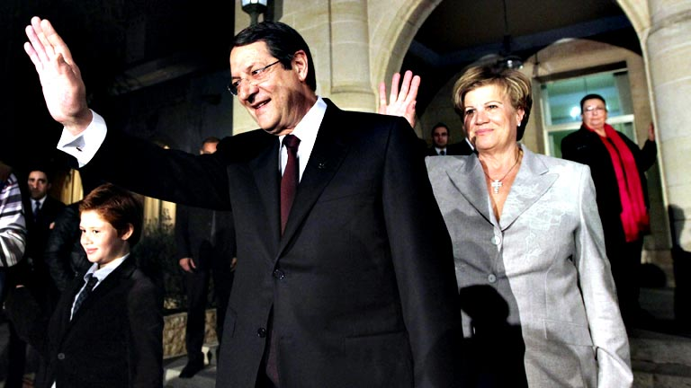 El Eurogrupo discutirá el rescate a Chipre con su nuevo Gobierno