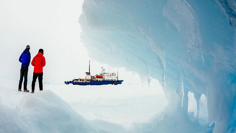 El mal tiempo complica el rescate del barco ruso bloqueado en la Antártida
