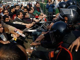 Ver v?deo  'Revueltas en Egipto han obligado a un impresionante despliegue por parte de las fuerzas del orden'