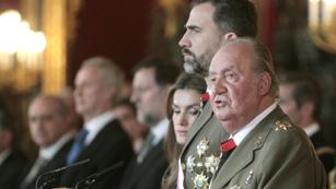Ver vídeo  'El rey preside la tradicional Pascua militar'