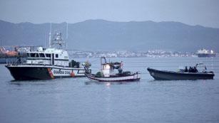 Ver vídeo  'El rey visita Algeciras para apoyar a los pescadores y a la Guardia Civil'