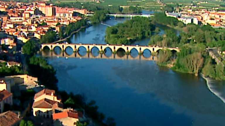 Zoom Tendencias - Ribera del Duero, entre paisajes, bodegas y fogones