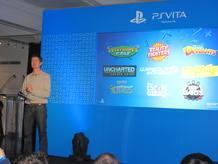 Michael Denny, vicepresidente de World Wide Studios de Europa, durante la presentación de la PS Vita en Londres