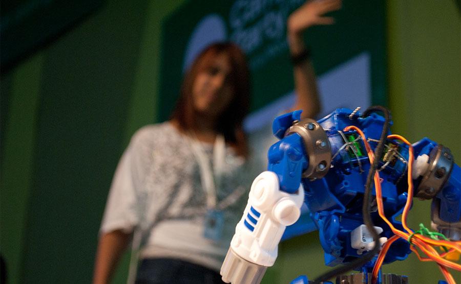 Robots controlados por Kinect