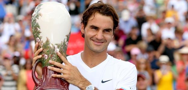 Roger Federer con el trofeo tras la victoria conseguida en el Masters 1000 de Cincinnati.