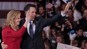 Ver vídeo  'Romney aventaja a Santorum al ganar en Michigan y Arizona'