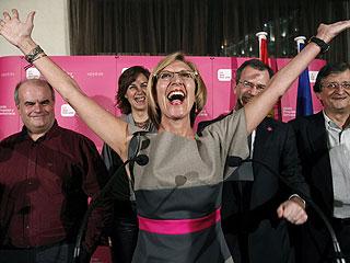 """Ver vídeo  'Rosa Díez celebra resultados que son el """"inicio del fin del bipartidismo""""'"""