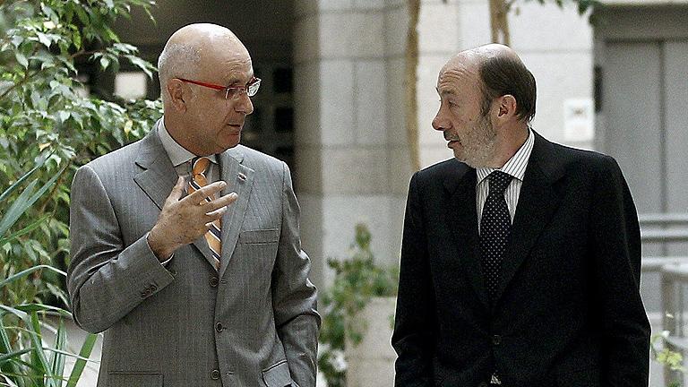 Rubalcaba anuncia que presentará una moción de censura si Rajoy no comparece por el 'caso Bárcenas'