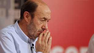Ver vídeo  'Rubalcaba cree que Rajoy está perdiendo el apoyo de los ciudadanos'