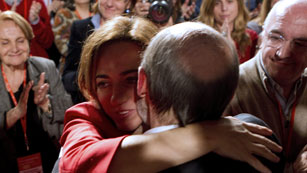 Ver v&iacute;deo  'Rubalcaba da la gracias a Carme Chac&oacute;n'