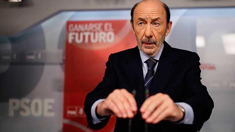 Ver vídeo  'Rubalcaba exige la dimisión de Rajoy y rompe relaciones con el PP'