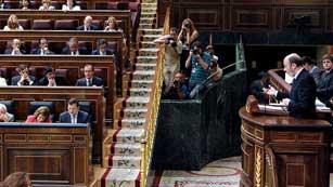 Ver vídeo  'Rubalcaba propone al Gobierno un gran pacto de estado y critica los recortes anunciados'