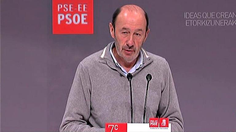 """Rubalcaba sobre la renta de Rajoy: """"No le ha ido nada mal"""""""