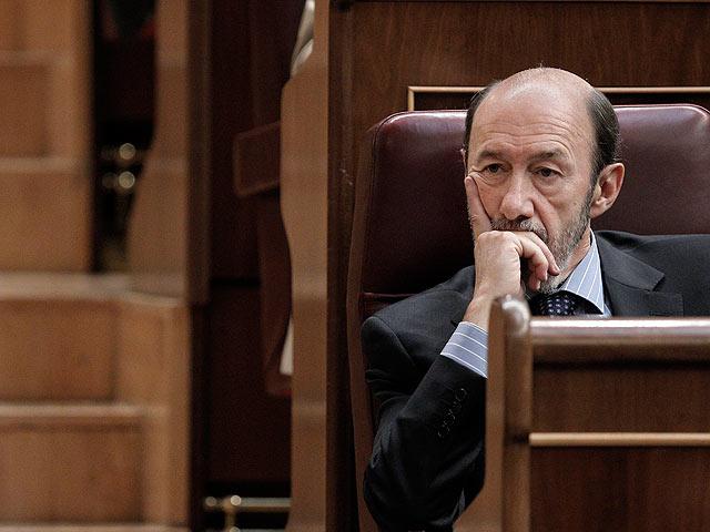 """Rubalcaba: """"Zapatero me convenció anoche sobre la reforma constitucional al saber que tenía un acuerdo con Rajoy"""""""