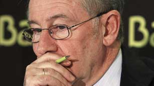 Ver vídeo  'Rumores sobre el nuevo destino de Rato después de su salida de Bankia'