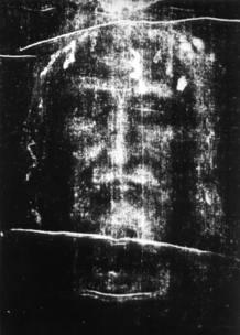 La investigadora Lillian Schwartz asegura que el rostro del sudario es un autorretrato de Leonardo Da Vinci.