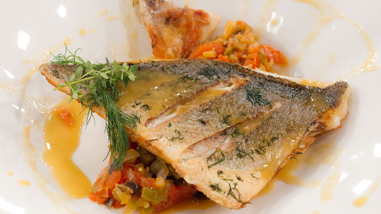 Receta de dorada a la plancha en sanfaina - Cocinar a la plancha ...