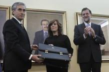 Saénz de Santamaría toma posesión como vicepresidenta, ministra de la Presidencia y portavoz del Gobierno