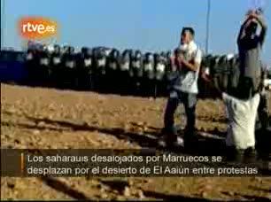 Ver v?deo  'Los saharauis desolajdos, hacia El Aaiún sin dejar las protestas'
